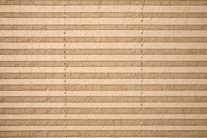 Z jakich materiałów wykonuje się plisy okienne?